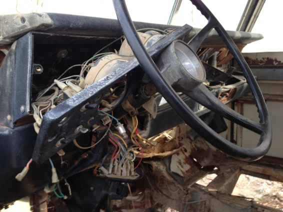coche abandonado1 interior