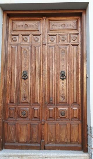 puerta manchega tallada